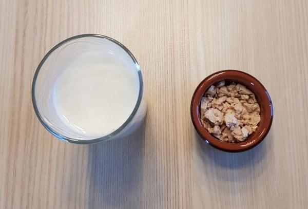 Luikse Wafel: Melk en gist