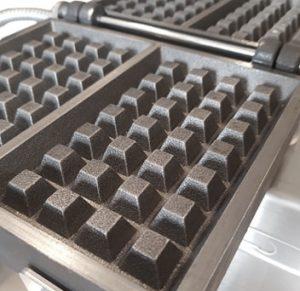 Cast iron of the buttermilk waffle maker